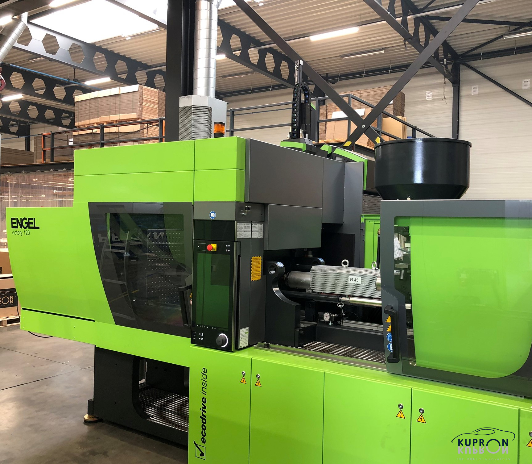 New injection moulding machine 9